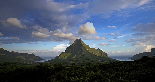 Mount Routi in Moorea, French Polynesia