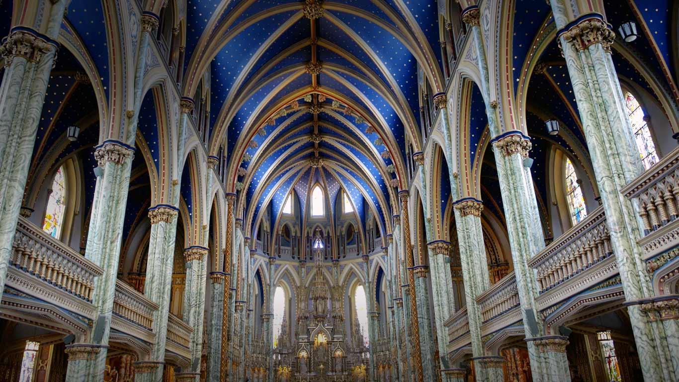 Notre-Dame Cathedral Basilica of Ottawa, Ontario, Canada (© Kevin O´Hara/age fotostock)