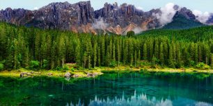 Karersee lake in the Dolomites in South Tyrol, Italy (© Dr. Rüdiger Hess/geo-select FotoArt)