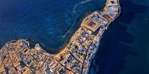 Aerial view of Castello Maniace in Syracuse, Sicily, Italy (© Antonino Bartuccio/SIME/4Corners)