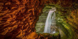 Cavern Cascade at The Watkins Glen State Park Gorge, New York (© A.D. Wheeler/500px)