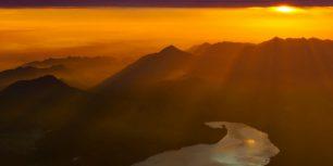 Sunrise seen from Mount Fuji, Japan (© Filip Fuxa/Alamy)