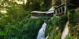 Saint Beatus Caves near the village of Beatenberg, Switzerland (© Getty Images)