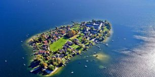 Aerial view of Frauenchiemsee island in Chiemsee, Germany (© Florian Werner/Look/age fotostock)