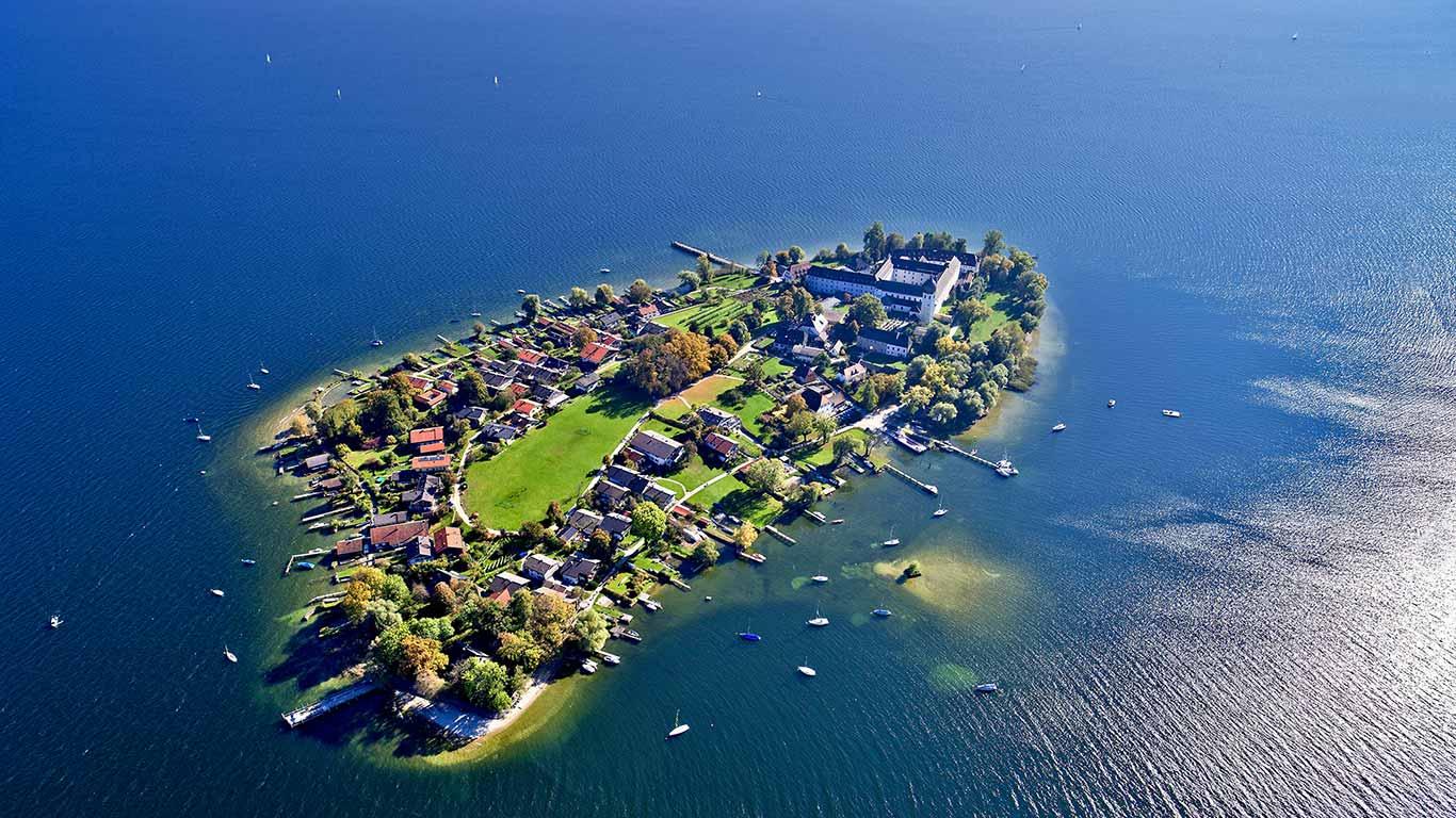 Aerial view of Frauenchiemsee island in Chiemsee, Germany (© Florian Werner/Look/age fotostock)