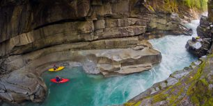 Kayakers in Ashlu Creek near Squamish, British Columbia, Canada (© Phil Tifo/Tandem Stock)