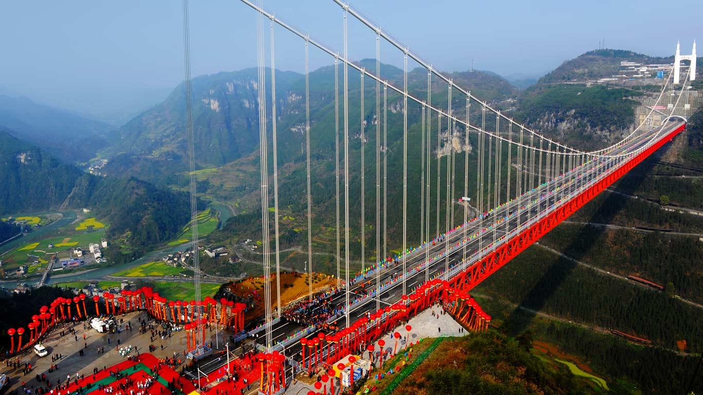 Aizhai Suspension Bridge, Hunan Province, China (© Imaginechina/Corbis)