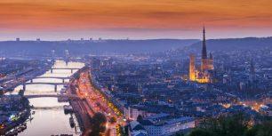 Rouen, Normandy, France (© Tim Gartside/age fotostock)