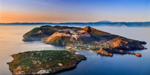 Vulcano, Aeolian Islands, Italy (© SIME/eStock Photo)