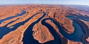 Lake Powell, on the border between Utah and Arizona (© AirPano)