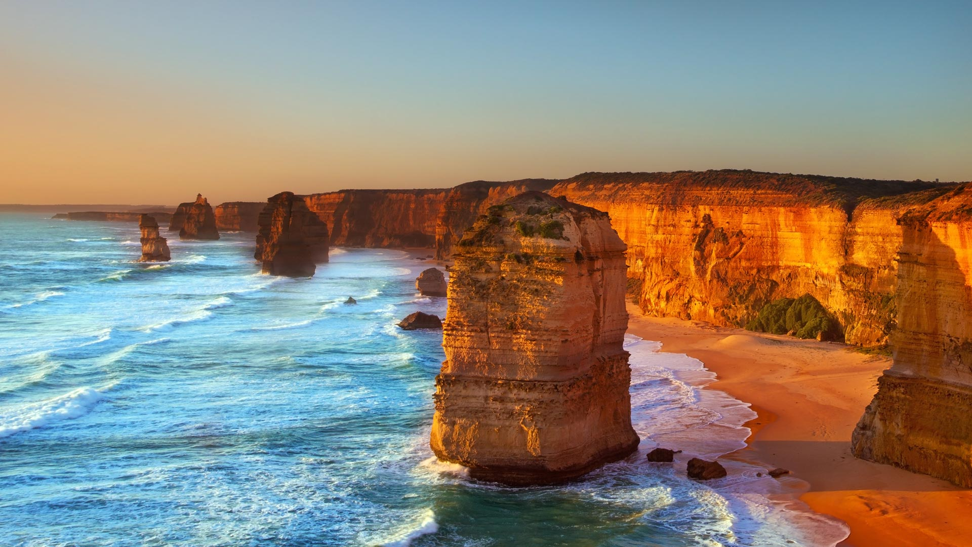 The Twelve Apostles, Port Campbell National Park, Australia (© Marcella Miriello/Shutterstock)