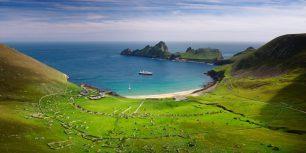 Village Bay on the island of Hirta, Scotland (© Jim Richardson/Getty Images)