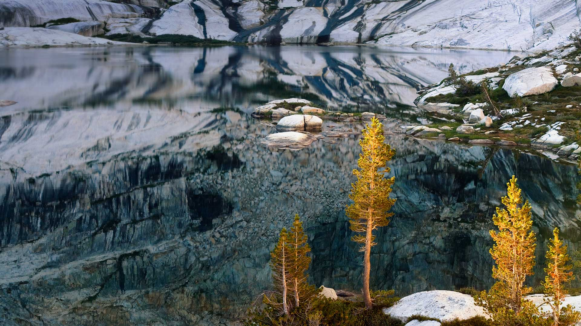Pear Lake in Sequoia National Park, California (© Marc Muench/Tandem Stills + Motion)