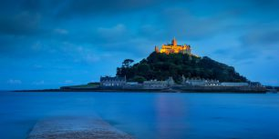 Twilight over St Michael's Mount in Mount's Bay, Cornwall, England (© Brian Jannsen/Alamy)