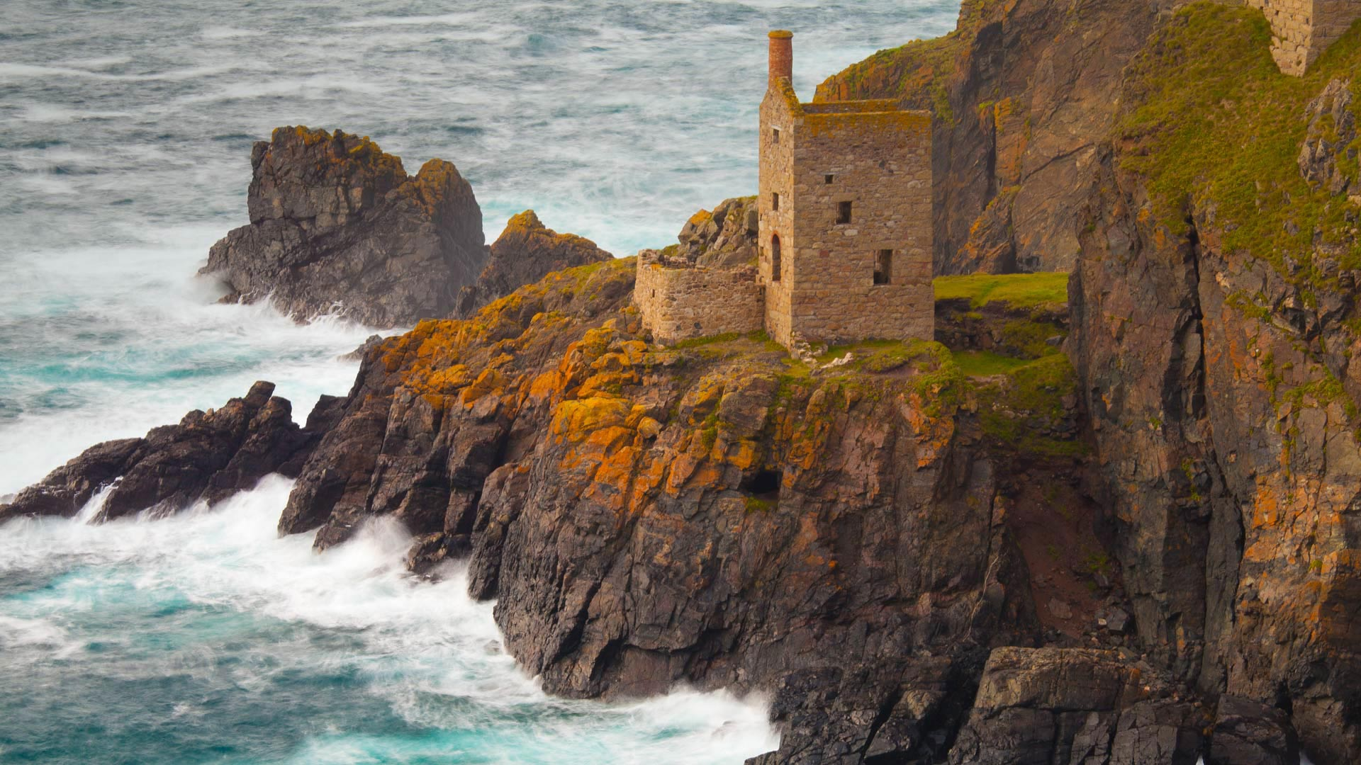 Botallack Mine in Cornwall, England (© Robert Harding/Masterfile)