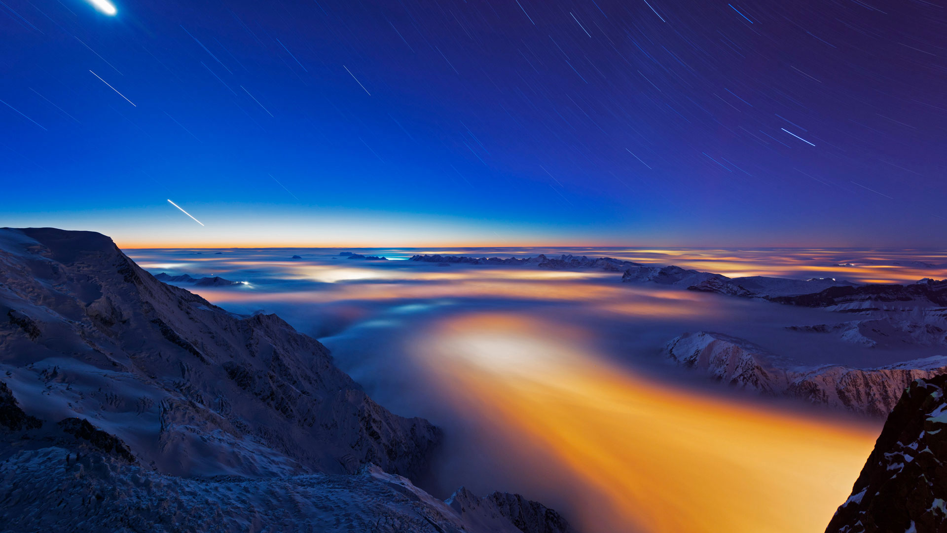 Sea of clouds over Chamonix Valley, France (© Masterfile)