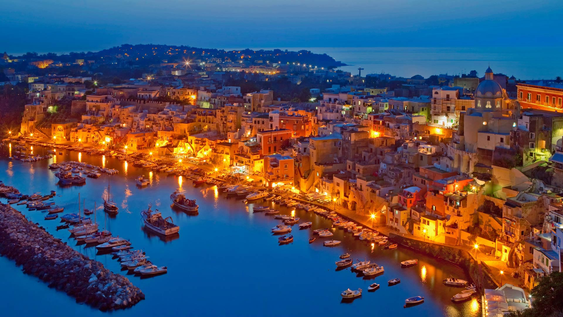 Procida Island in the Gulf of Naples, Italy (© Frank Chmura/age fotostock)