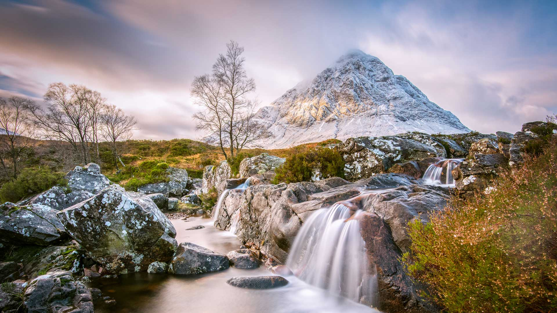 View of Buachaille Etive Mor in the Scottish Highlands (© Gavin82/Getty Images)