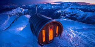 Sauna on Monte Lagazuoi in the Dolomites of Italy (© Spotcatch/Westend61/Offset)