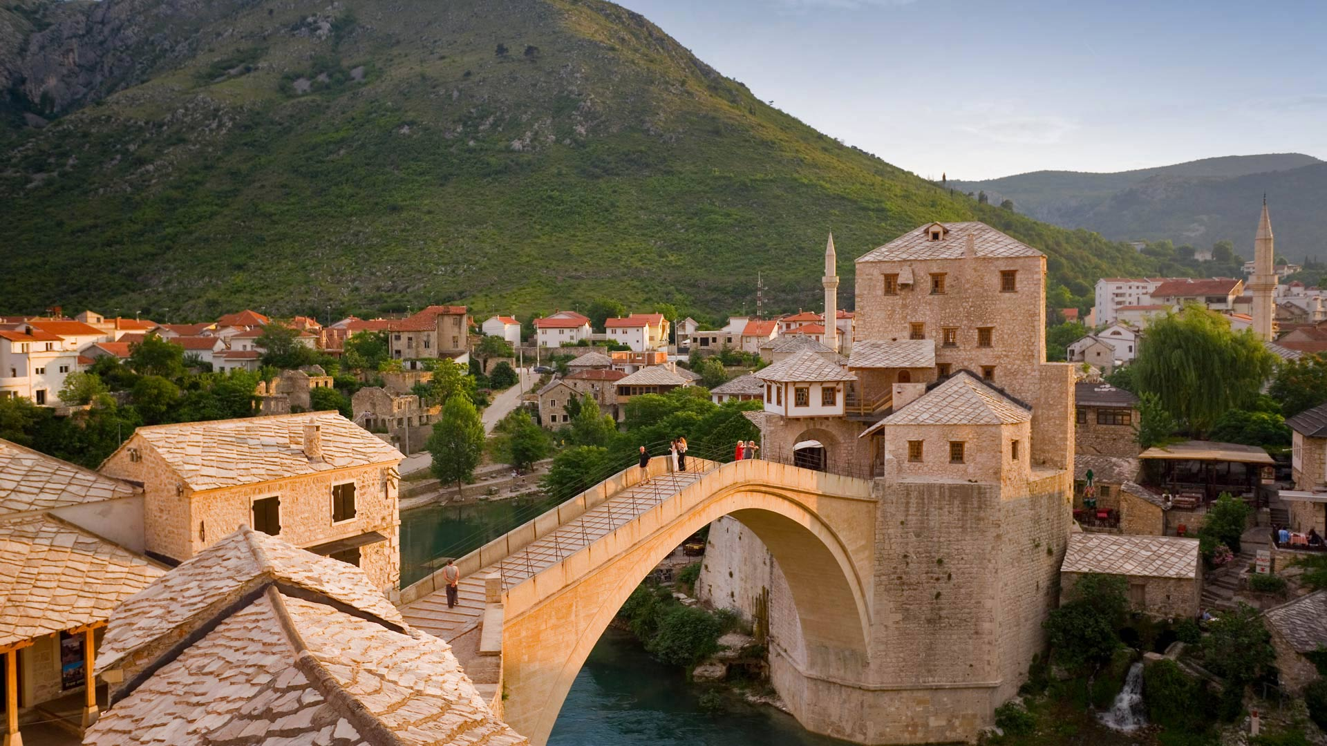 Stari Most in Mostar, Bosnia and Herzegovina (© Gavin Hellier/Minden Pictures)
