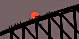 Sydney Harbour Bridge in Sydney, Australia (© Grant Faint/Offset)