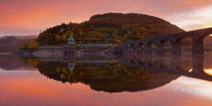 Garreg Ddu Dam in the Elan Valley of Wales (© Stephen Taylor/Alamy)