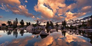 On the John Muir Trail near Mammoth Lakes, California (© Brad Goldpaint/Getty Images)