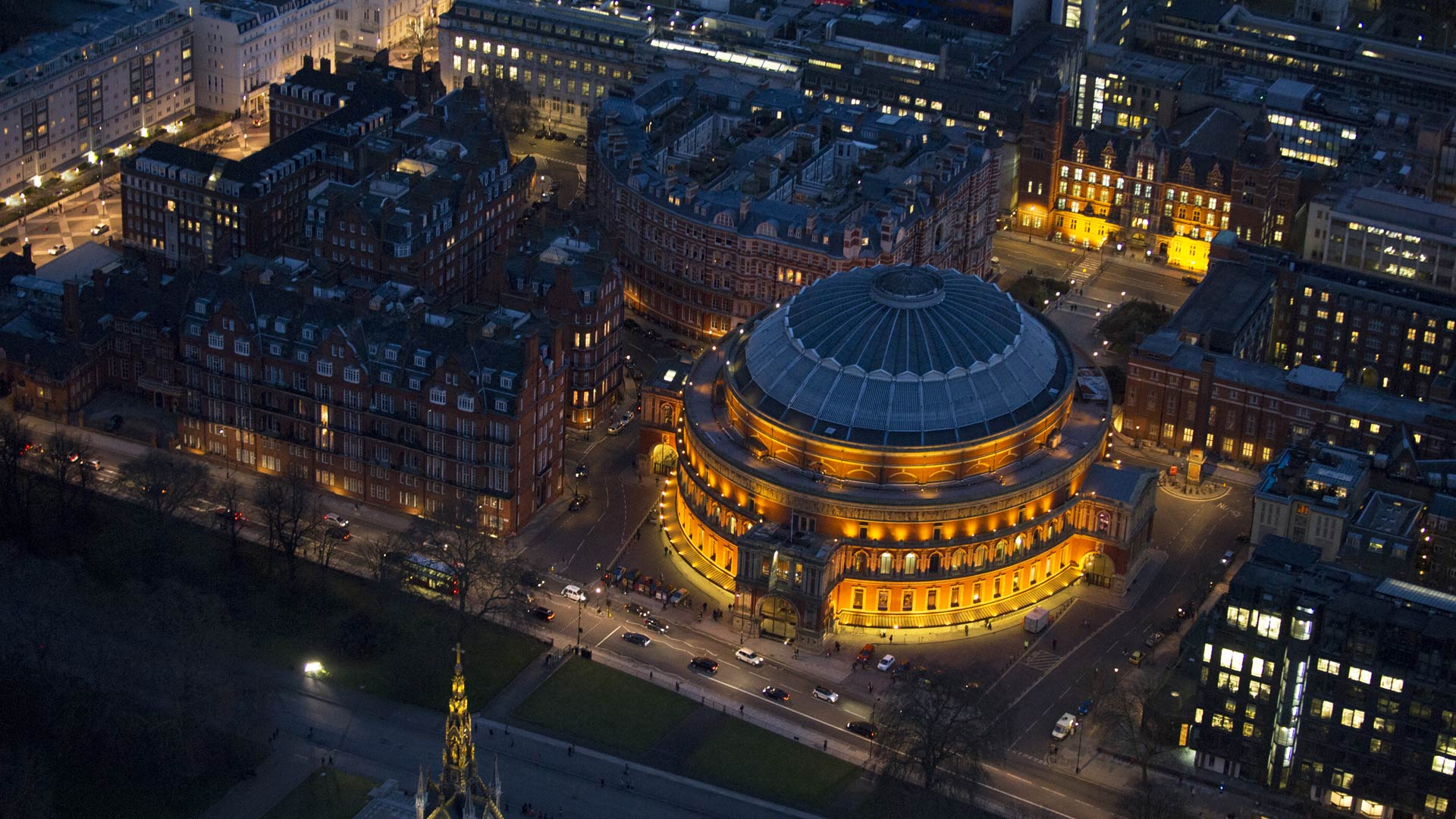 Aerial view of the Royal Albert Hall in South Kensington, London, England (© Jason Hawkes/Getty Images)