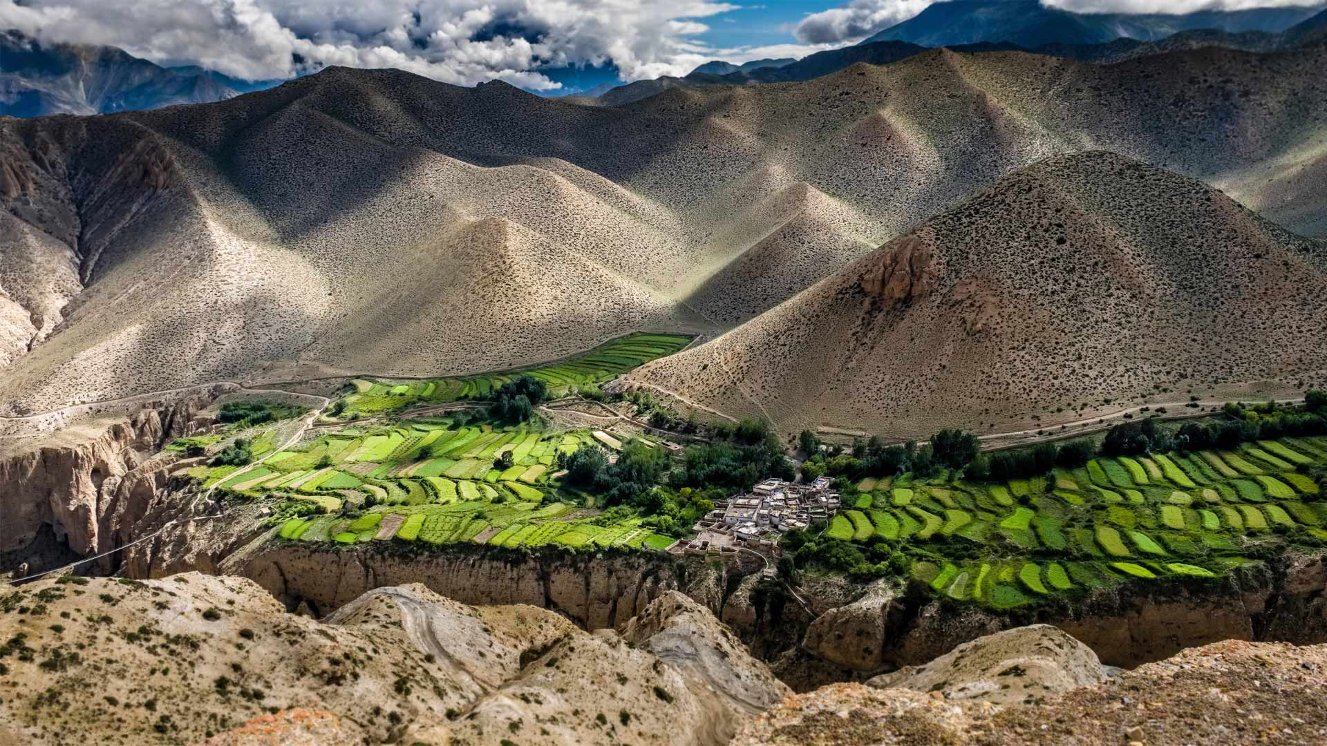Ghyakar village, Upper Mustang, Nepal (© Frank Bienewald/Alamy)